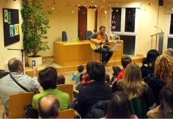 28-11-2008 - 40 aniversari de la Biblioteca de Montornès - Recital del cantautor local Miguel Ángel Bueno