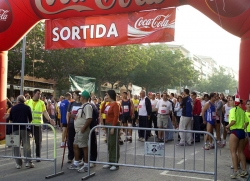 Els participants esperen la sortida de la Marxa Popular