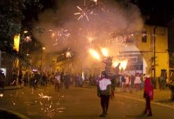 Correfoc de Festa Major amb la colla de Drac i Diables de Montornès