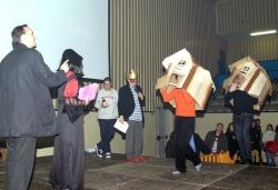 """Concurs de disfresses - 2n premi adults parella: """"Casetes de fusta"""""""