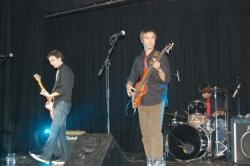 Concert del grup local No Badis al teatre. Foto cedida per Nerea Calvo.
