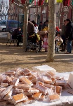 Diumenge de Carnaval - Esmorzar amb xocolata i melindros al CIJ