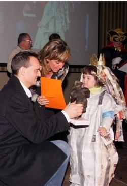 Dissabte de Carnaval - 1r premi infantil individual: Fantasia de papel