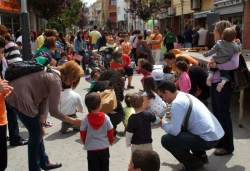 25 d'abril - Animació infantil al carrer Major