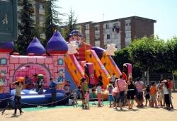 25-06-2011 - Inflables i tallers a l'Escola Marinada