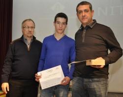 """Representants de l'equip Cadet """"A"""" del Club Futbol Montornès - Millor equip sènior de la temporada 2011-2012"""