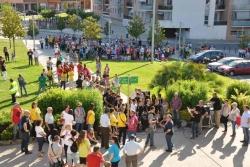 Punt de trobada als jardins de l'Ajuntament i lectura de manifestos contra les retallades i en defensa dels serveis públics